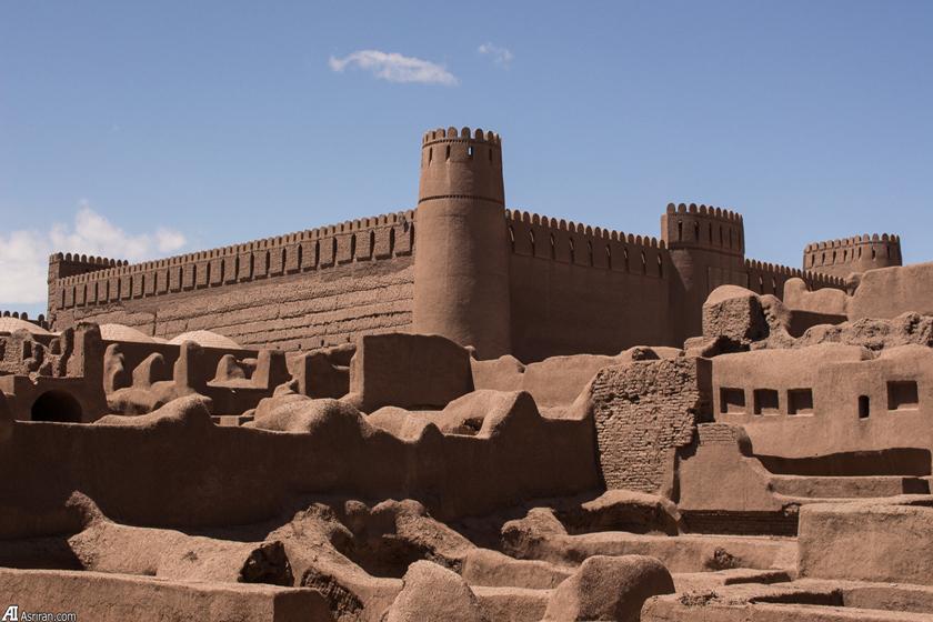 تاثیر پوشش ایرانیان بر معمارى تاثیرات از دوره هاى اشکانیان و ساسانیان